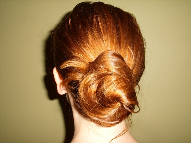 http://15minutefashion.about.com/od/quickandeasyhairstyles/ss/How-To-Use-A-Spin-Pin.htm?utm_source=pinterest_ip&utm_medium=sm&utm_campaign=shareurlbuttons#step6