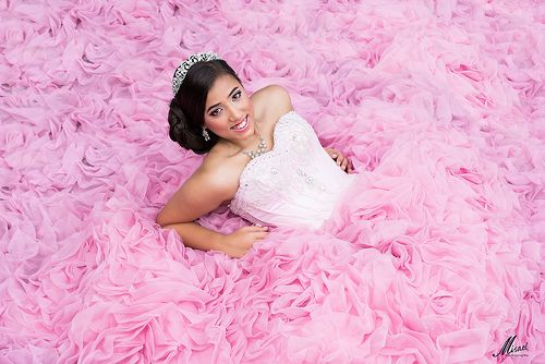 Your 2016 Guide to Quinceanera Photographers