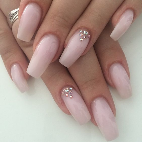 Quinceanera Manicures Do\u0027s \u0026 Dont\u0027s for 2016