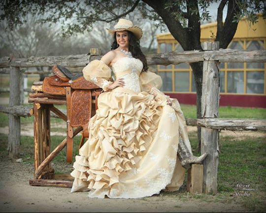 Latina Luxury: Gorgeous Gowns for your Traditional Quince