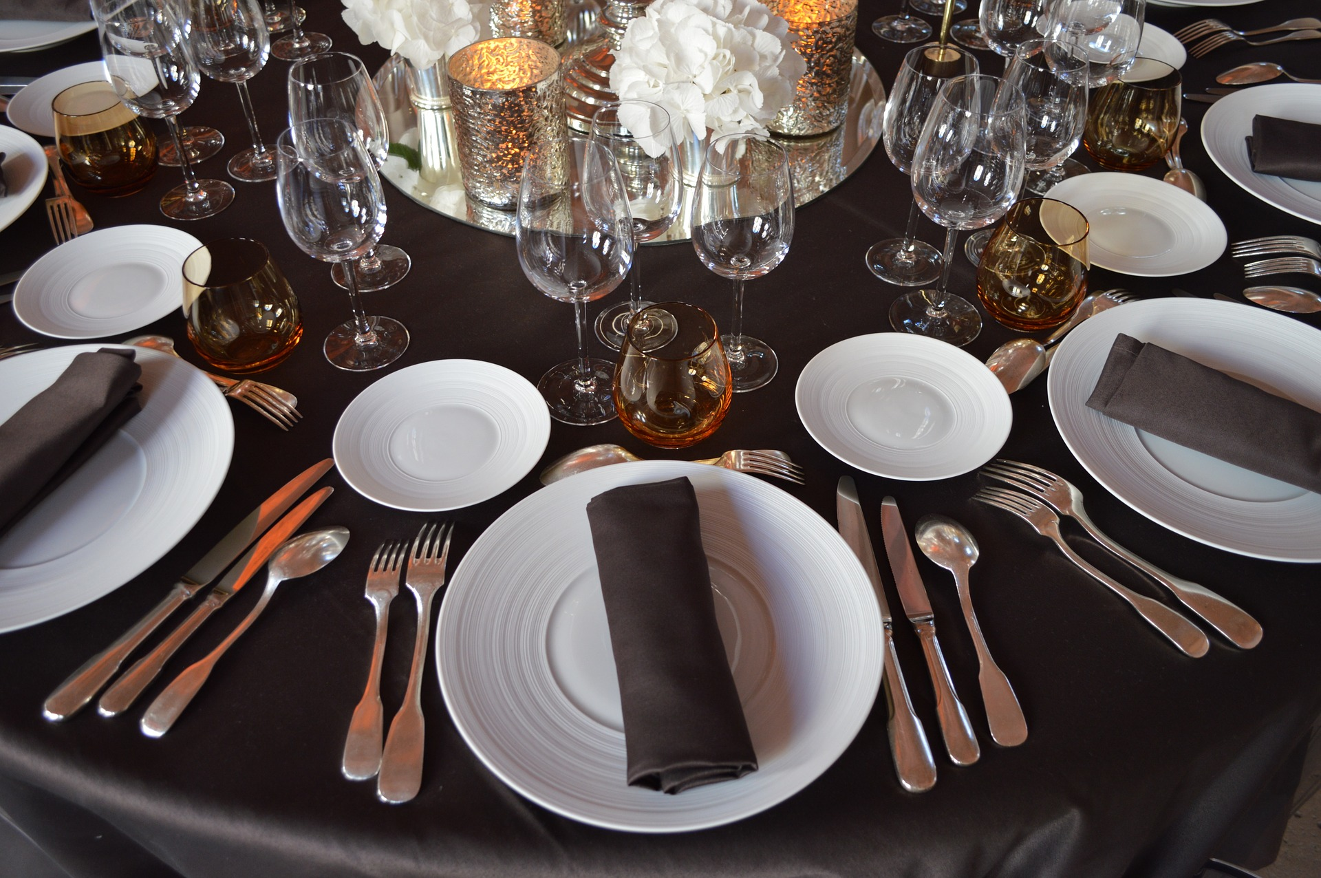 Who Sits Where: Your 7-Step Quinceanera Seating Plan